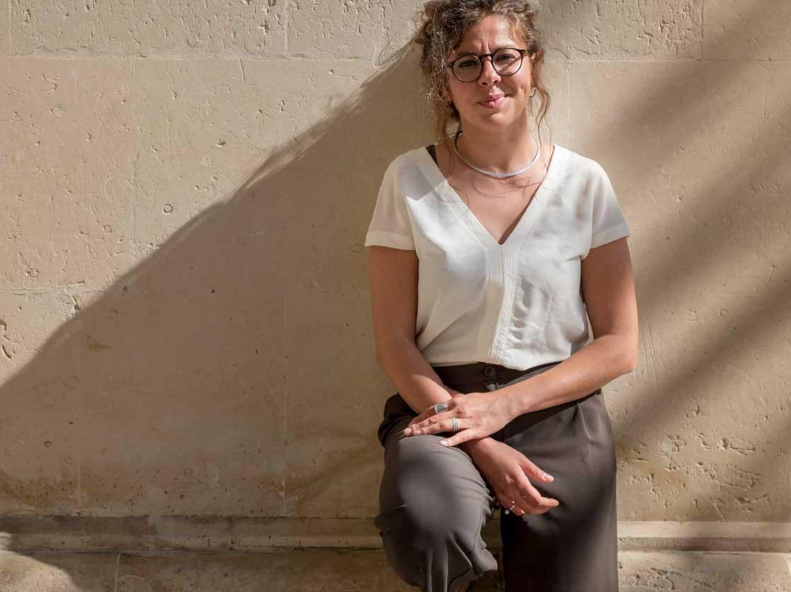 Designer Marina Leuzzi, ideatrice di Lungomaredesign, collezioni artigianali per l'illuminazione dei locali domestici e dei locali pubblici