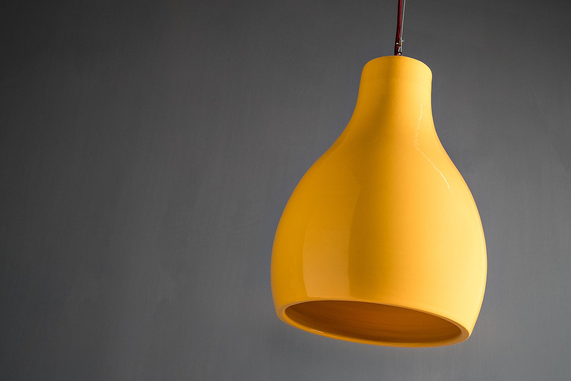 Lampada a sospensione Bouchet, lavorazione artigianale in ceramica, realizzata da Lungomare Design