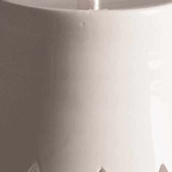 Argilla-bianca-lavorata-a-mano